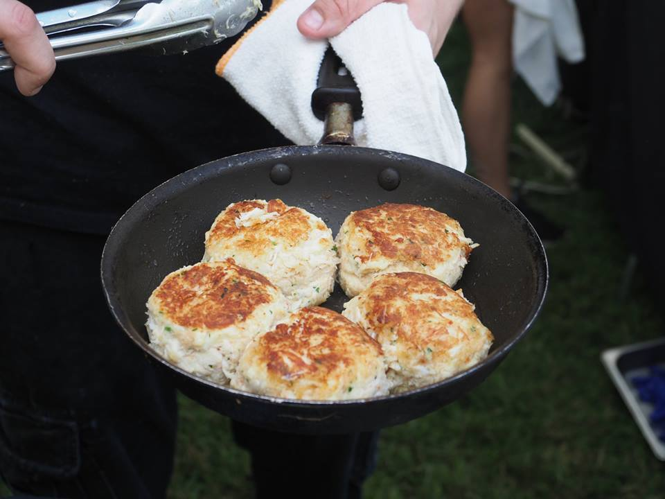 Cantwell''s Tavern, crab cakes